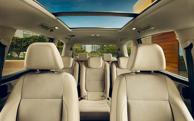 Volkswagen Sharan FL interior view front and rear seats sunroof